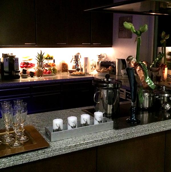 Advents-Deko_Hirschkerzen in der Küche