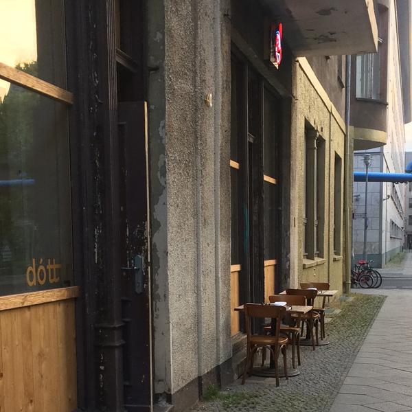 Restaurant Dottir mit der Aussenbestuhlung
