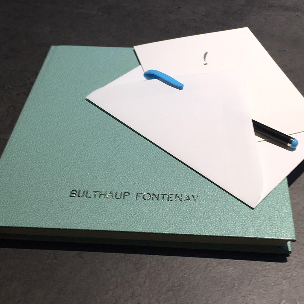 Gästebuch Galluchat mint mit Heißfolienprägung Bulthaup in matt silber
